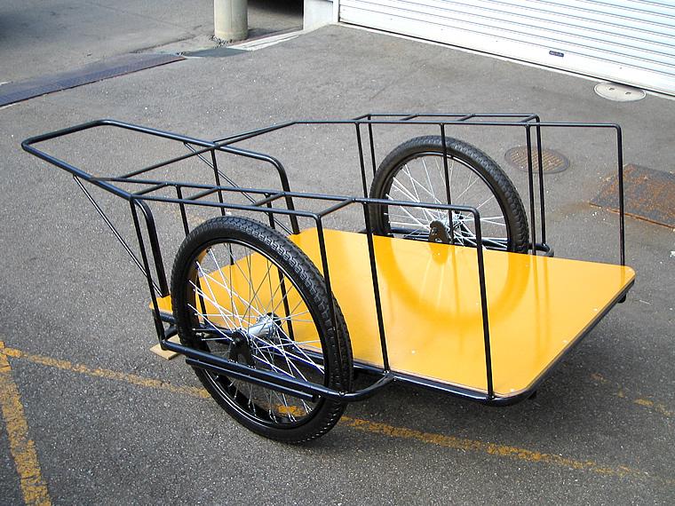 荷台が黄色いリヤカー